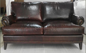 ABBEY SOFA - Classic Chesterfield