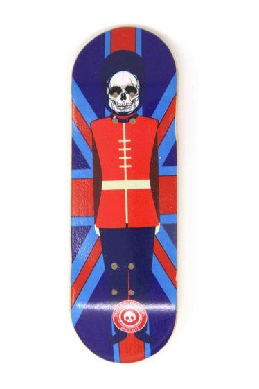 The Queen's Guard Wooden Fingerboard Graphic Deck (32mm)