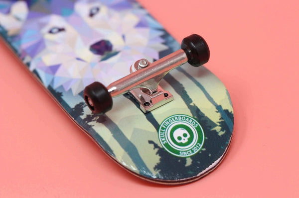 Howling Pro Complete Wooden Fingerboard (34mm) (Skull Pro Trucks - Single Axle - 6 Locknuts)