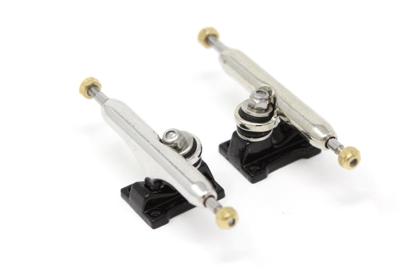 Skull Pro Trucks Chrome/Black (34mm) - Single Axle // 6 Lock Nuts