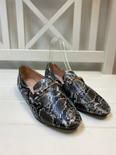 Load image into Gallery viewer, Snake Skin Pump Shoes