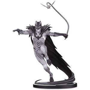 DC Collectibles Batman Black & White: Batman by Kenneth Rocafort Statue, Multicolor | My Hero Booth