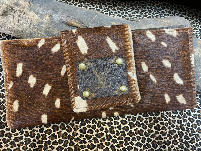 Revamped Dark Axis Wallet