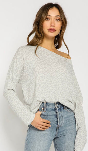 LISA LEOPARD OFF SHOULDER TOP