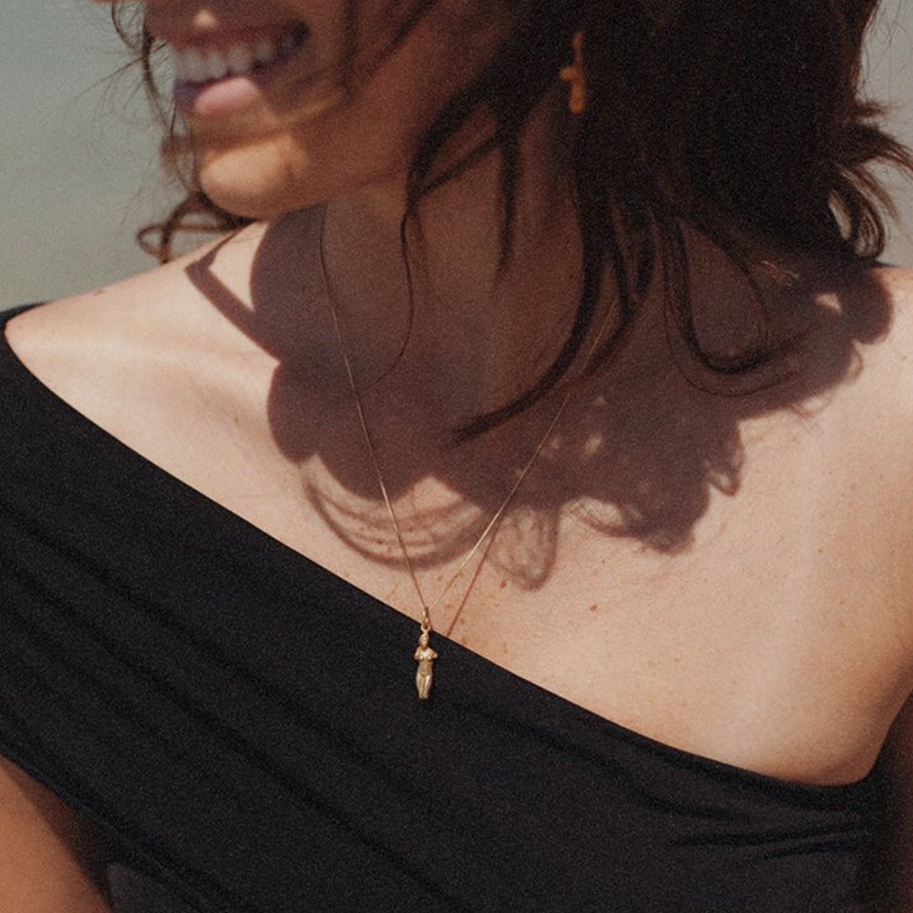 Aphrodite Pendant & Necklace - Gold-Plated Silver - Large