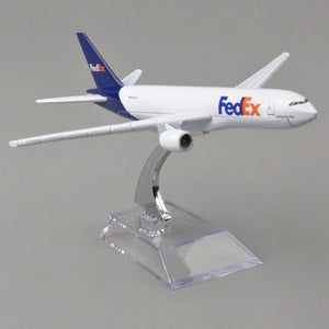 1:400 Metal Boeing B777 FEDEX EXPRESS Diecast plane model airplane W/ Stand
