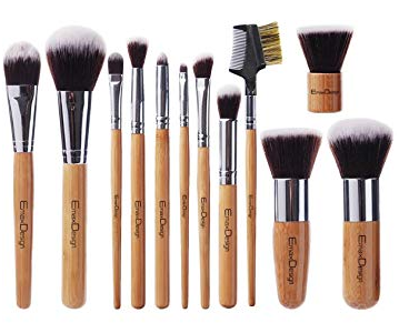 Makeup brushes of various sizes for multiple uses