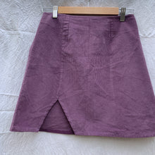 Load image into Gallery viewer, PLUM MINI SKIRT