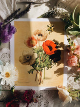Load image into Gallery viewer, Vintage Style Floral Print