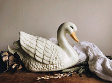 Load image into Gallery viewer, Kitsch Swan