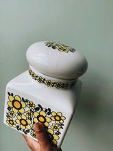 Load image into Gallery viewer, Large Retro Daisy Taunton Vale Ceramic Jar