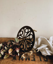 Load image into Gallery viewer, Vintage Small Trivet