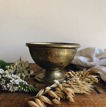 Load image into Gallery viewer, Vintage Decorative Etched Sugar Bowl
