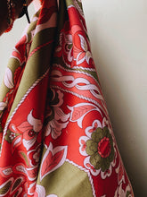 Load image into Gallery viewer, Retro Floral Large Fabric
