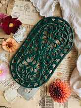 Load image into Gallery viewer, Vintage Green Trivet