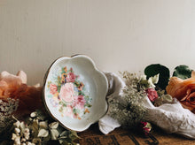 Load image into Gallery viewer, Vintage Leonardo Collection Rose Dish