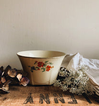 Load image into Gallery viewer, Antique Floral Meakin Dish