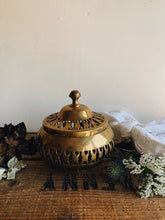 Load image into Gallery viewer, Vintage Brass Decorative Pot