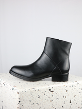 Load image into Gallery viewer, ANKLE BOOTS | LMCATRIN | BLACK | SIZE 41-47