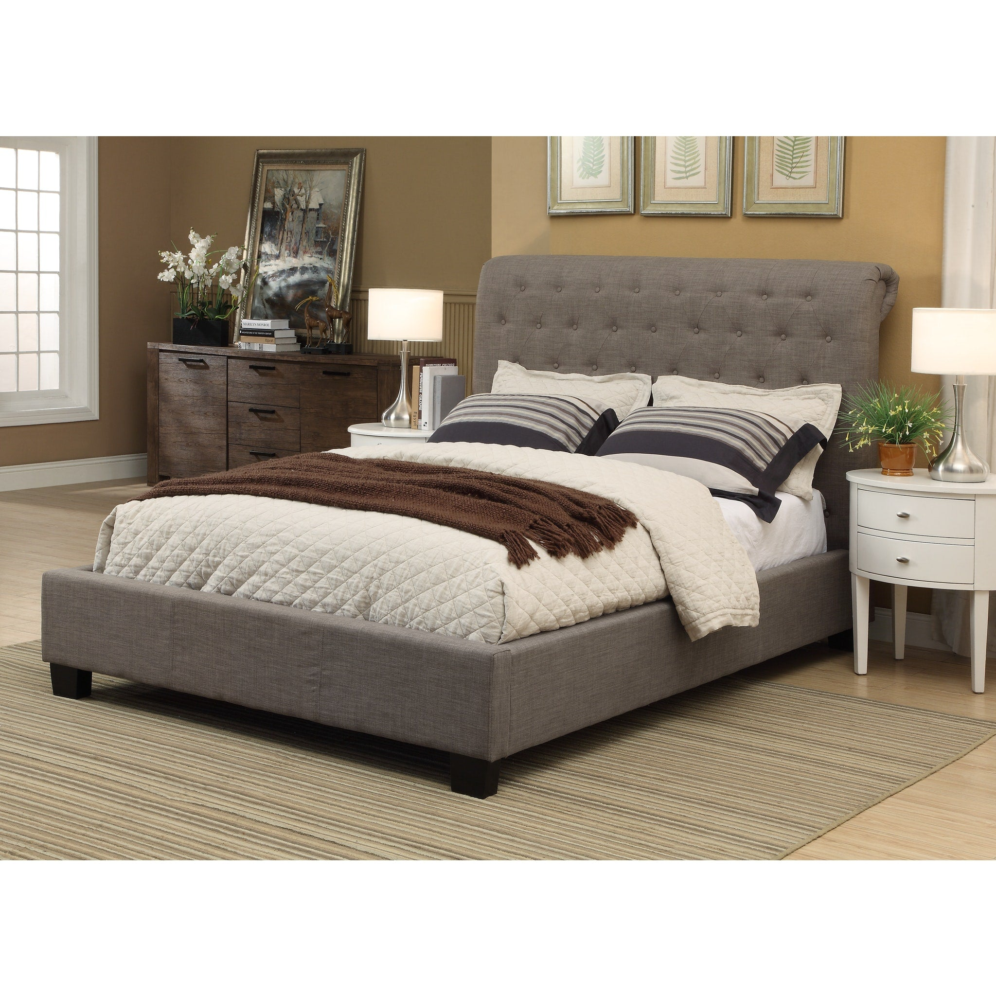 Royal Full-size Tufted Platform Storage Bed