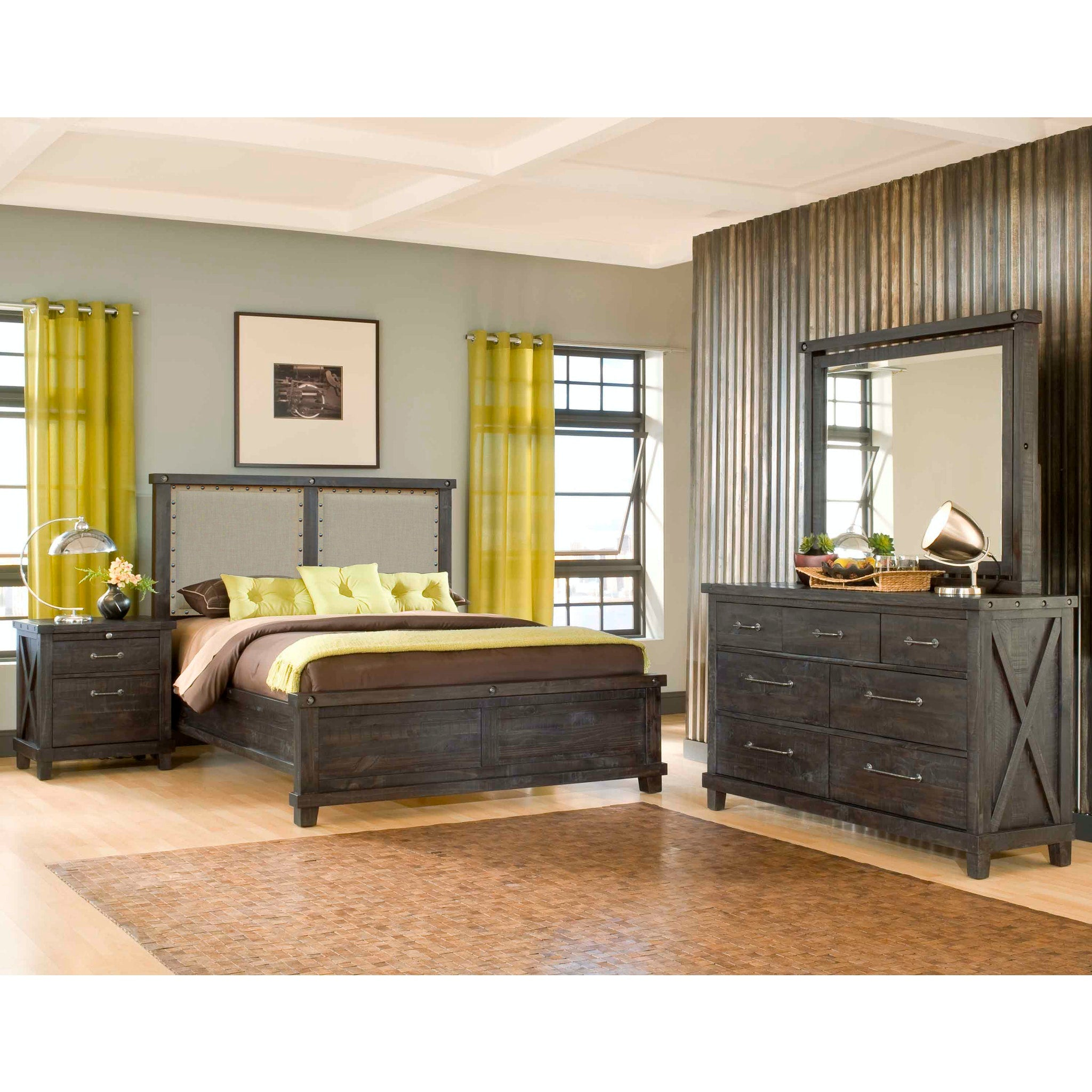 Yosemite Queen-size Upholstered Panel Bed in Café