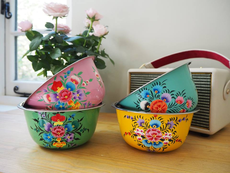 Hand Painted Kashmir Enamelware Floral Kitsch Ice Cream Cereal Bowl Set x 4