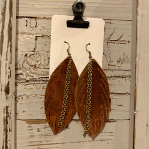 Skinny Brown Feather With Chain