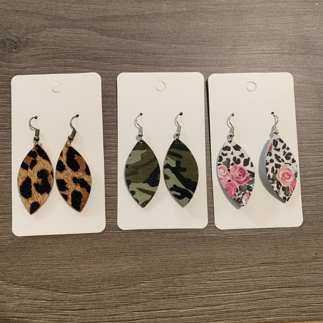 Mini Print Leaf Leather Earrings Set
