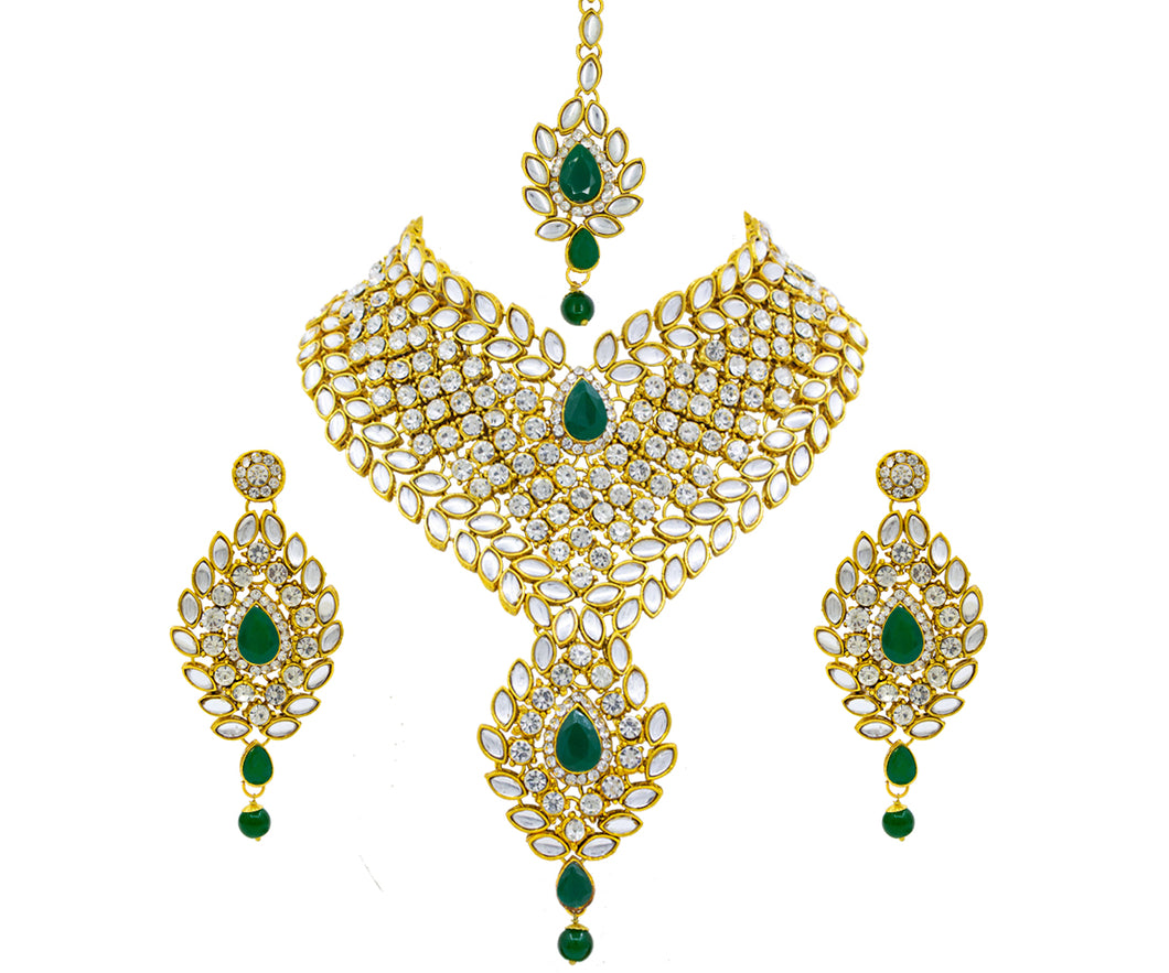 Glorious Traditional Green Kundan Bride Necklace Set