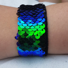 Load image into Gallery viewer, Mermaid Sequin Snap Bracelet