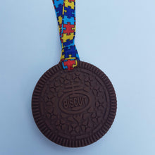 Load image into Gallery viewer, Biscuit Chew with lanyard