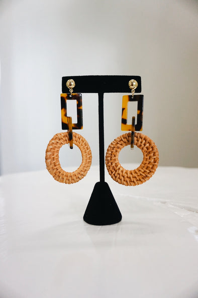 Tortoise Acrylic/Rattan Circle Earrings - Barr Bones