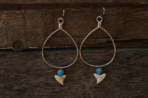 Teardrop w/ Blue Bead