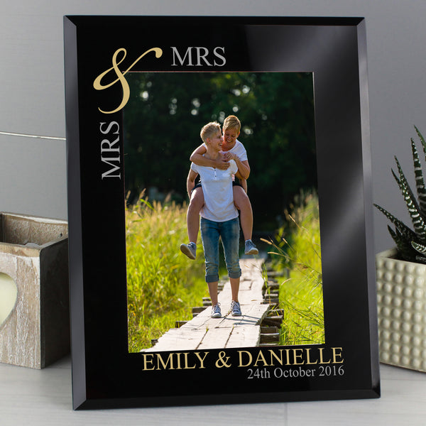 Personalised Gold Couples 5x7 Black Glass Photo Frame lifestyle image