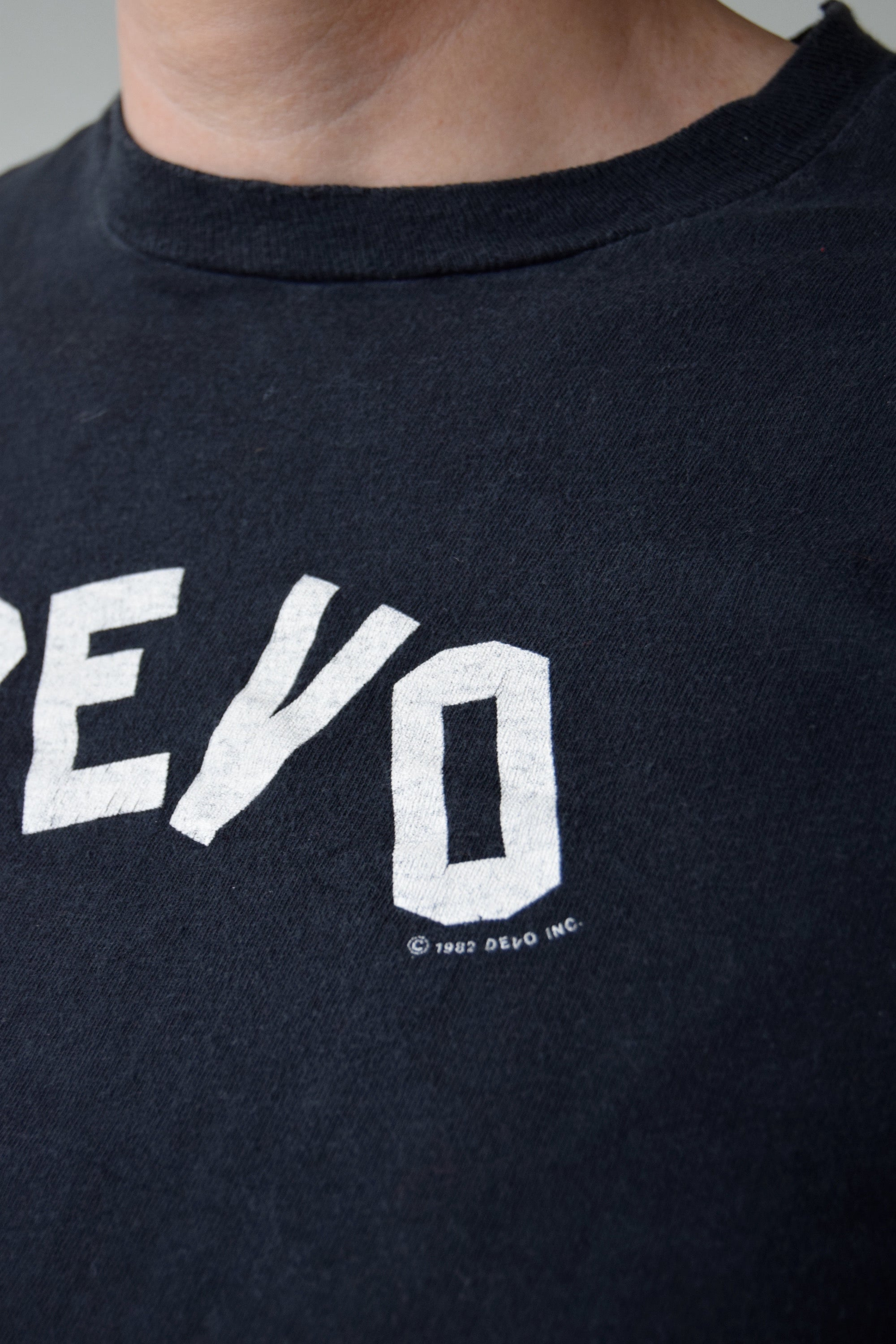 Vintage DEVO Tee 1982 FREE SHIPPING TO THE U.S.