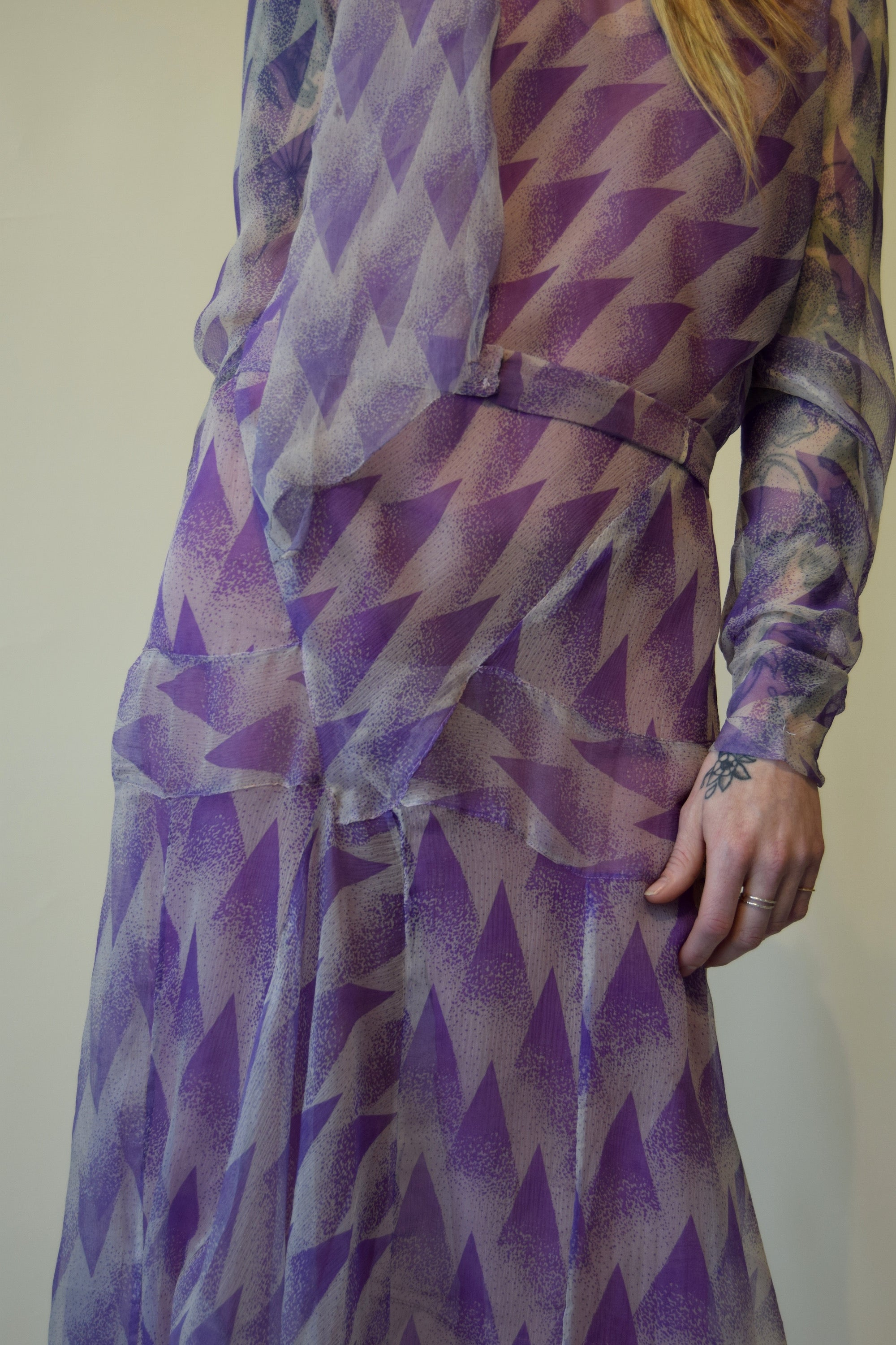 Vintage 1920's Art Deco Purple Patterned Silk Dress FREE SHIPPING TO THE U.S.