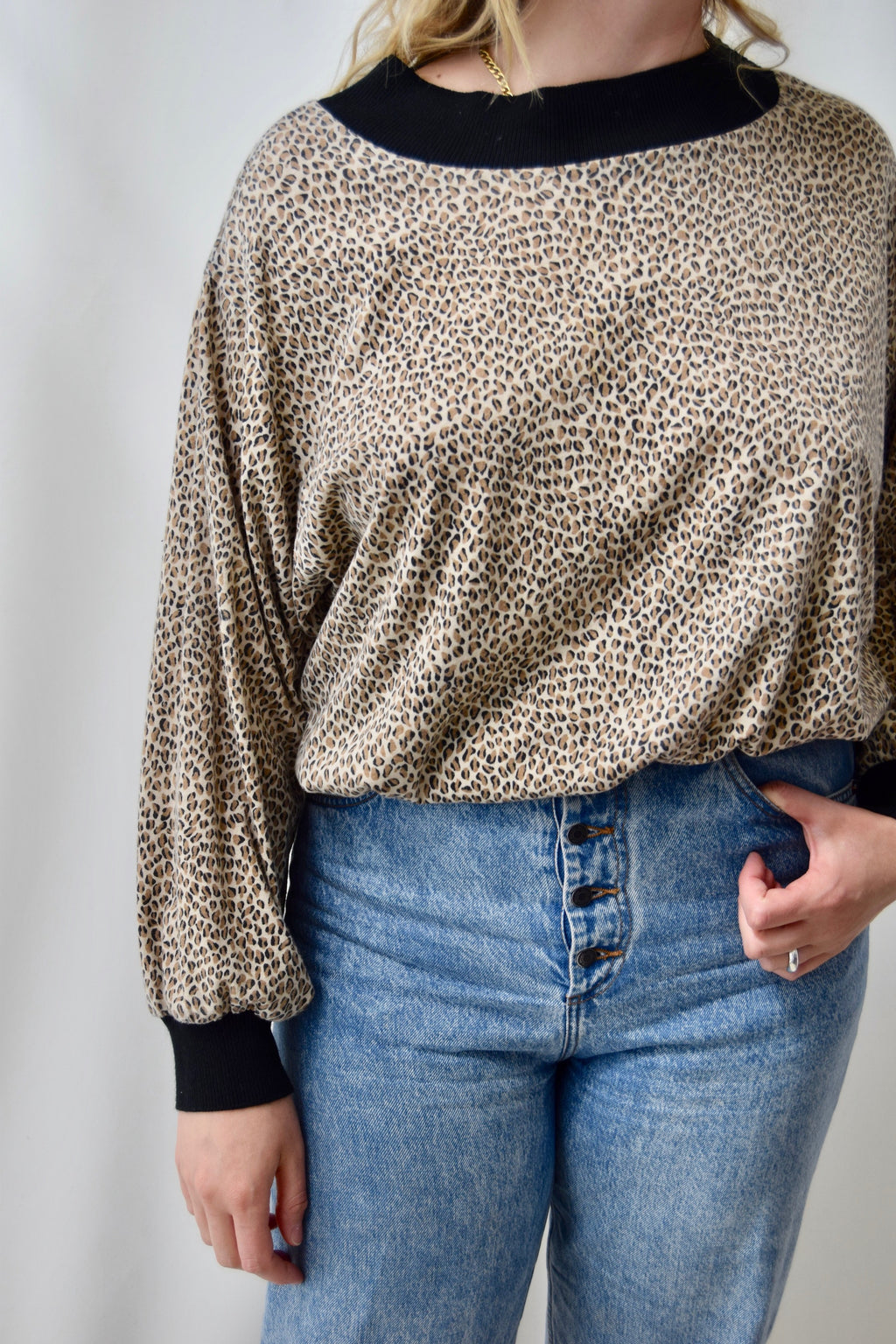 Soft Cropped Cheetah Sweatshirt