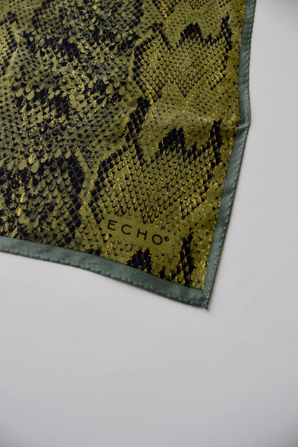 Echo Silk Snake Skin Scarf FREE SHIPPING TO THE U.S.