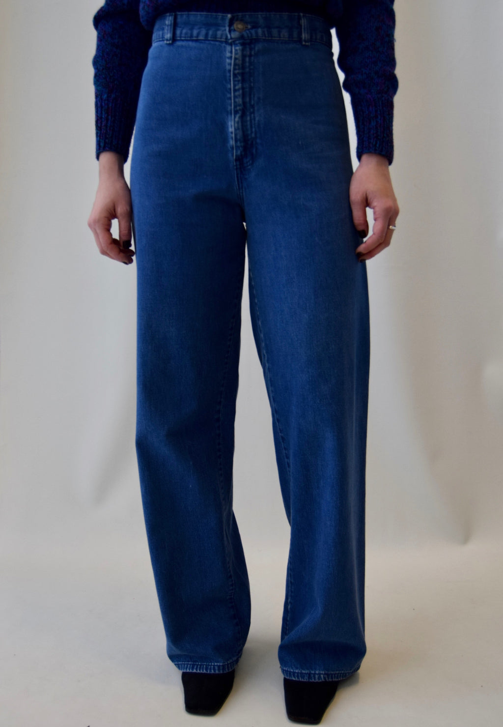 Vintage High Waisted Bell Bottom Levi's Jeans FREE SHIPPING TO THE U.S.