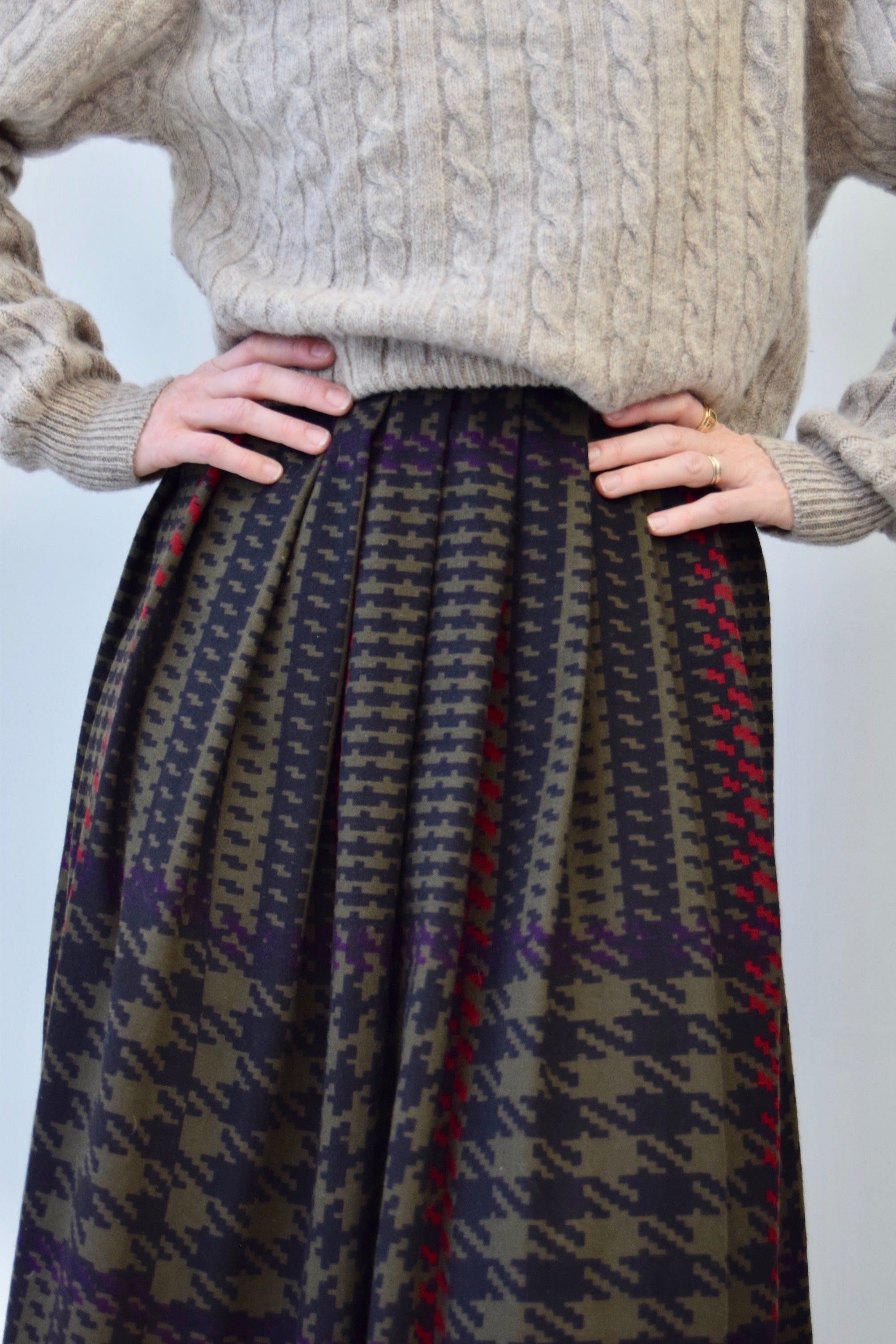 Eighties Pleated Houndstooth Wool Skirt