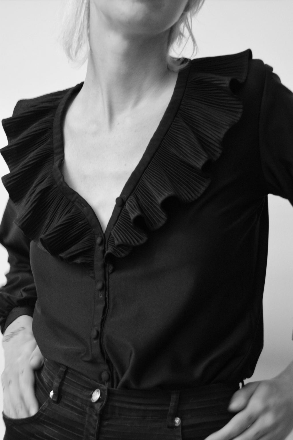 Seventies Sleek Ruffle Top