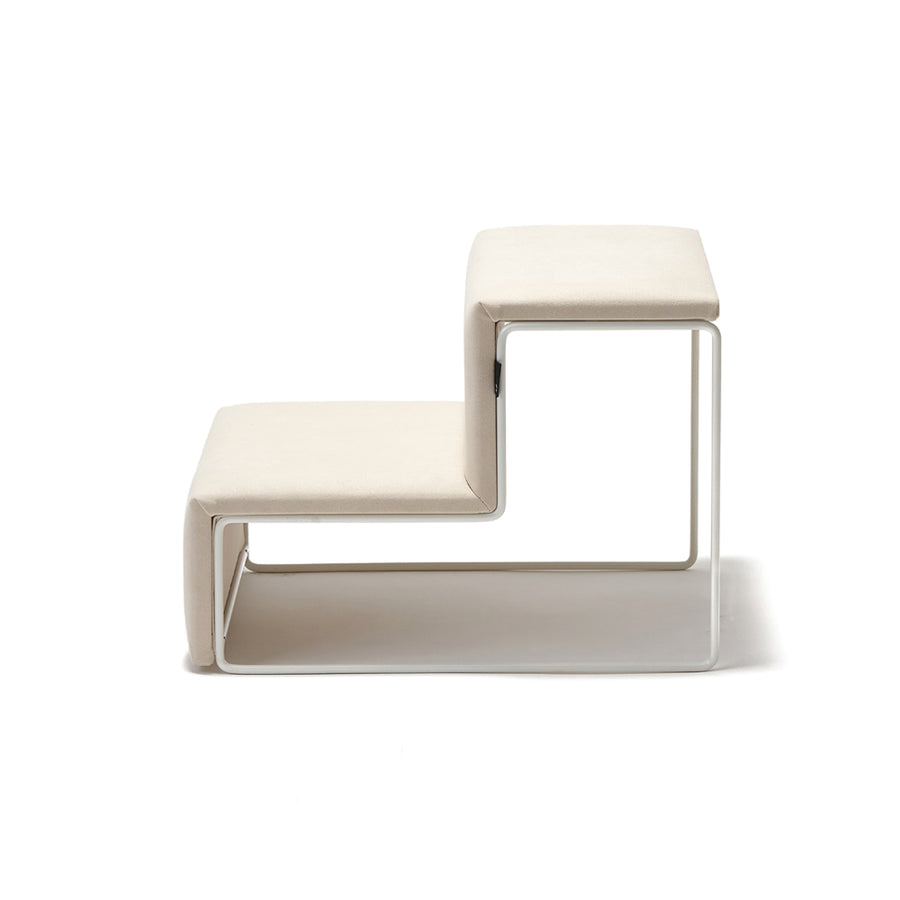 Smallstuff dog stairs in cream