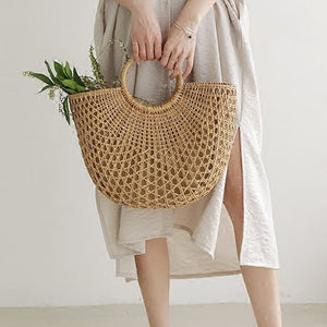 New Straw Bag 2020 Women Hand-Woven Hollow Handbag Moon Shape Rattan Bag Big Capacity Drawstring Handbag Casual Travel Beach Bag