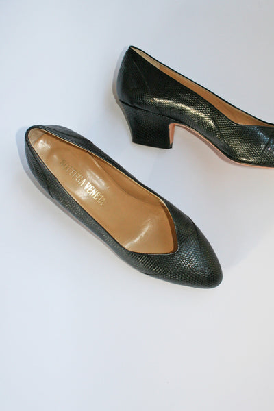 VINTAGE BOTTEGA VENETA CROC PUMPS