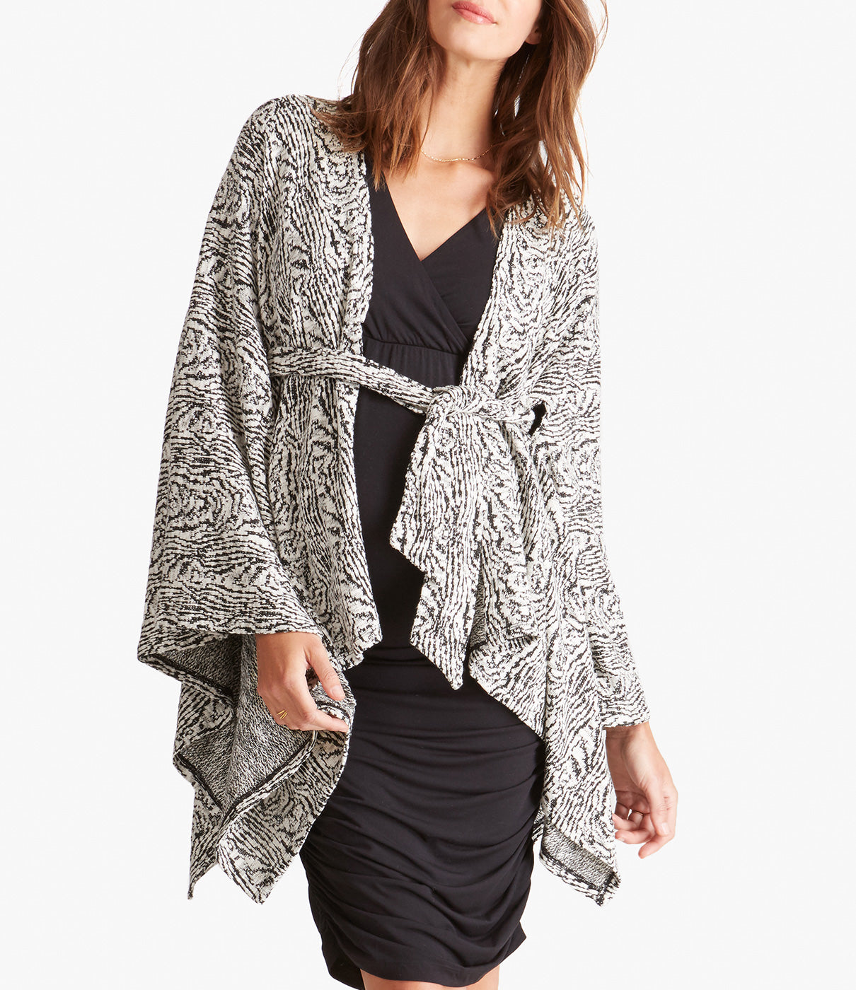 Fashion + FunctionEasy and versatile wear from day to night and a relaxed drape flatters all silhouettes.