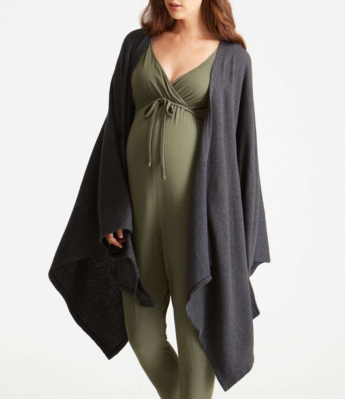 Grows With YouFits throughout and after pregnancy.