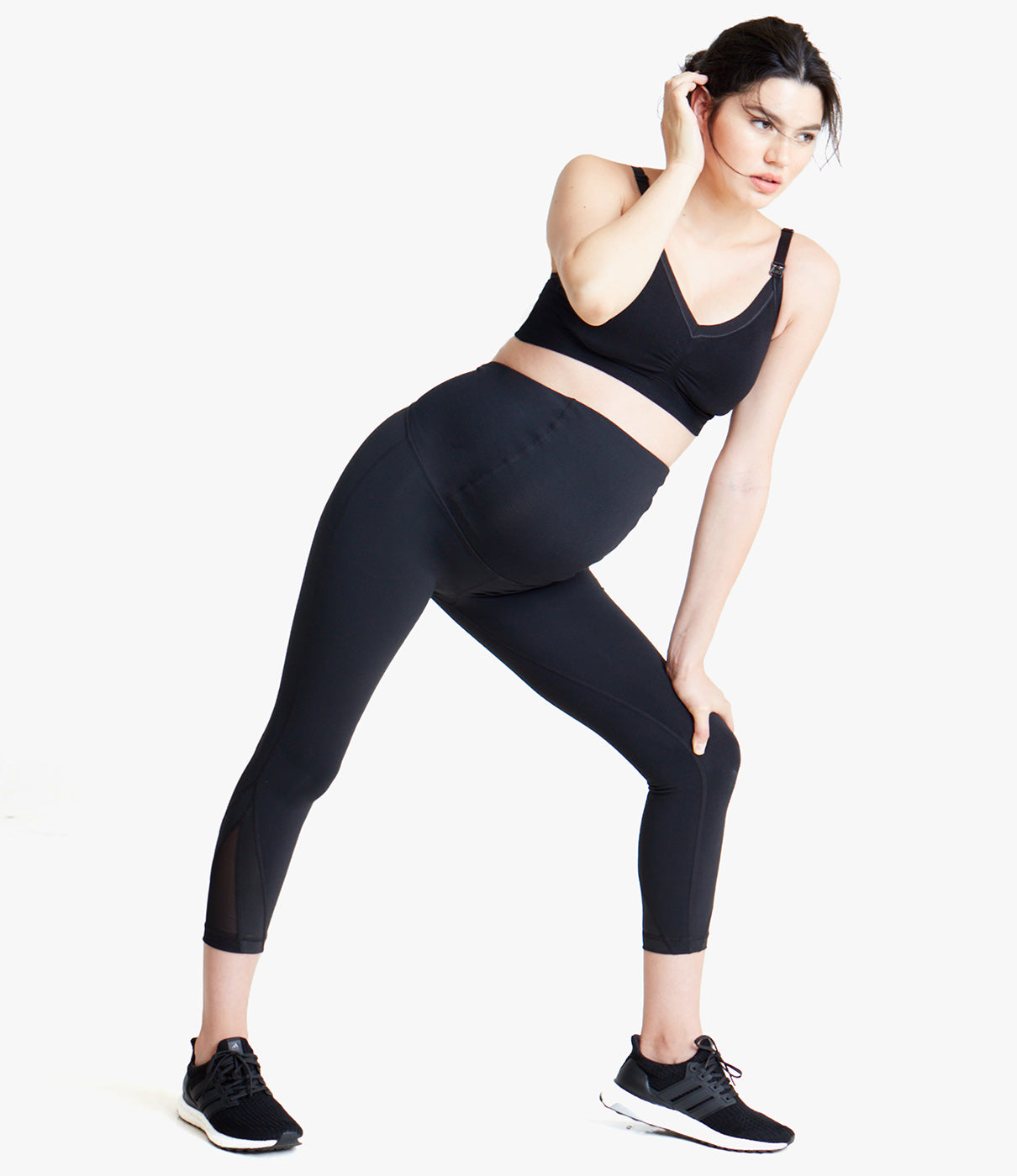 ACTIVEWEAR TECHNOLOGYMoisture-wicking and antimicrobial four-way stretch fabric.