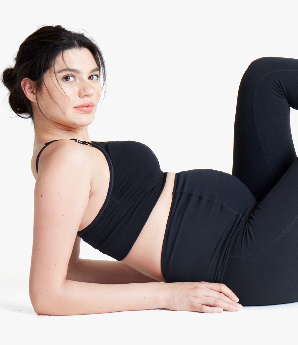GROWS WITH YOUContoured panel accommodates a growing belly.