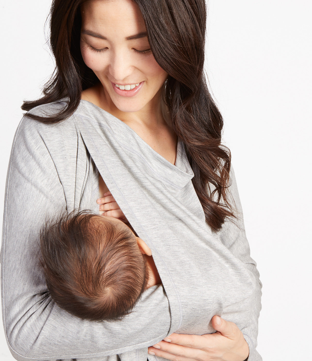 In The DetailsNursing-friendly, nickel-free magnetic closures for easier nursing access that won't harm mama or babe.