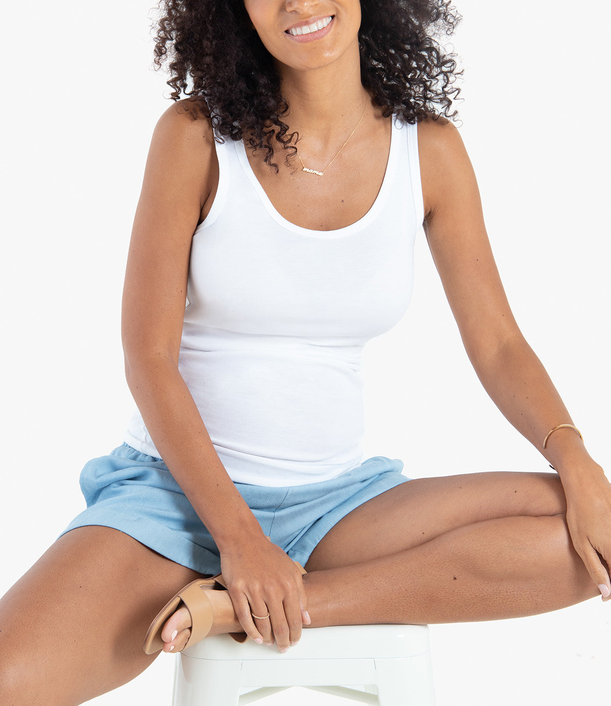GROWS WITH YOUComfy, under-the-belly elastic waist that fits throughout and after pregnancy.